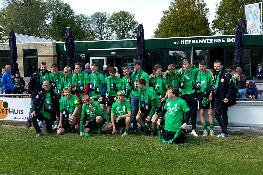 Heerenveense Boys JO17-1 kampioen 2018-2019
