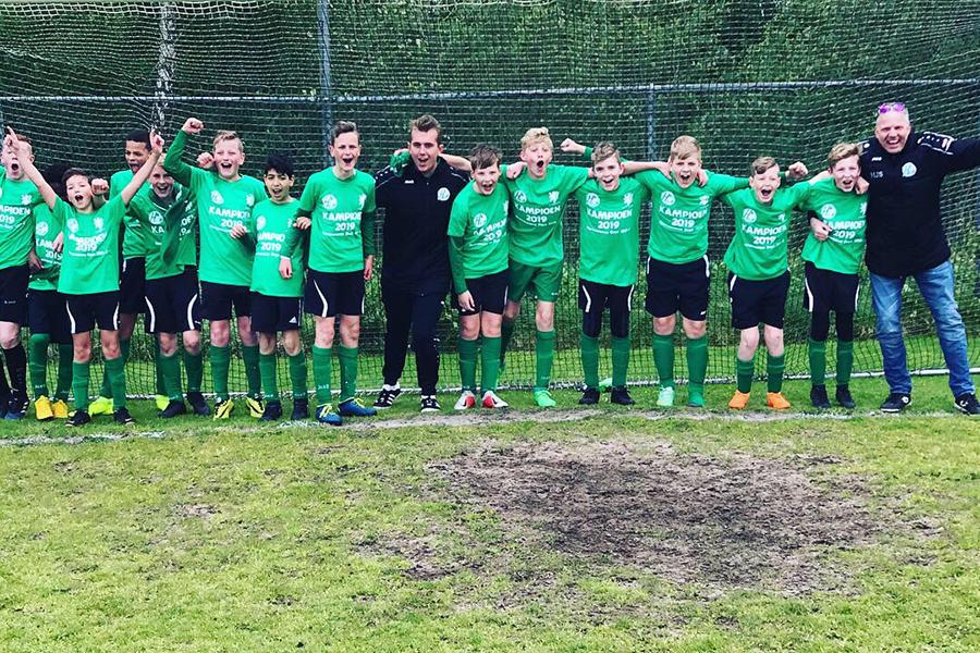 Heerenveense Boys JO13-2 kampioen 2018-2019